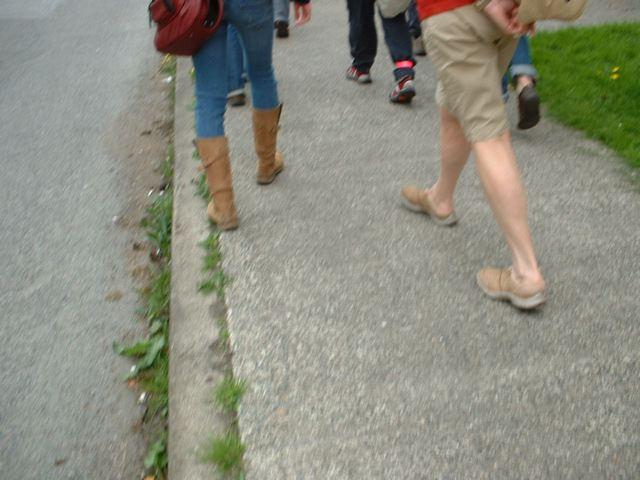 2feet walking